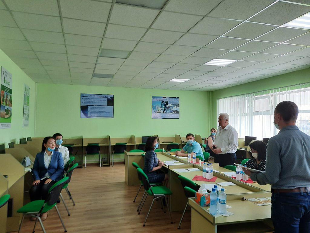Захист магістерських робіт першого випуску магістрів КНР відповідно до спільного українсько-китайського освітнього проекту SNAU-HIST на факультеті економіки і менеджменту